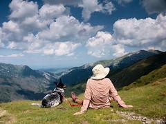 Na Pyszniańskiej Przełęczy (Olgierd Pstrykotwórca) Tags: tatry góry mountains pies dog