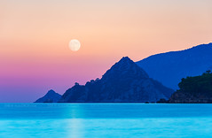 _DSC2263 - Rocks, the sea and the Moon (AlexDROP) Tags: 2018 turkey art travel moon moonrise color mountain bluehour sea skyline landscape nikond750 afsnikkor28300mmf3556gedvr best iconic famous mustsee picturesque postcard ngc
