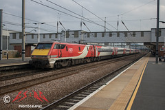 91120, Peterborough (CS:BG Photography) Tags: 91120 class91 electra intercity225 pbo peterborough ecml eastcoastmainline lner londonnortheasternrailway