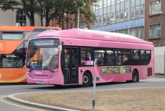 RB 417 @ Reading train station (ianjpoole) Tags: reading buses scania k270ub alexander dennis enviro 300 yr13pnu 417 working route pink 25 friar street the unicorn public house peppard common
