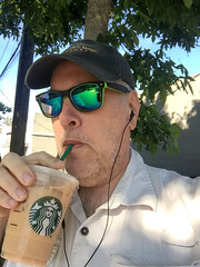 Day 2437: Day 247: Yummy (knoopie) Tags: 2018 september iphone picturemail starbucks doug knoop knoopie me selfportrait 365days 365daysyear7 year7 365more day2437 day247