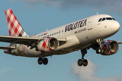Volotea / A319 / EC-MTN / LFRS 21 (_Wouter Cooremans) Tags: lfrs nte nantes spotting spotter avgeek aviation airplanespotting volotea a319 ecmtn 21