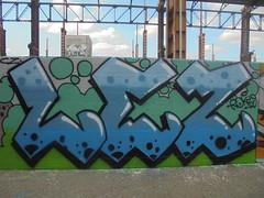 477 (en-ri) Tags: lez rokizs blu azzurro nero verde arrow torino wall muro writing parco dora graffiti