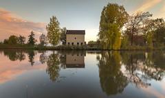 Autumn Mornings at The Apppelhuisje (Wim Boon Fotografie) Tags: wimboon alblasserwaard alblasserdam canoneos5dmarkiii canonef1635mmf4lisusm leefilternd09softgrad leelandscapepolariser holland nederland netherlands natuur nature reflectie reflections