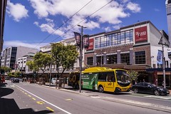 Courtenay Place (andrewsurgenor) Tags: transit transport publictransport nzbus gowellington electric trackless trolleybus trolleybuses wellington nz streetscenes bus buses omnibus yellow obus busse citytransport city urban newzealand