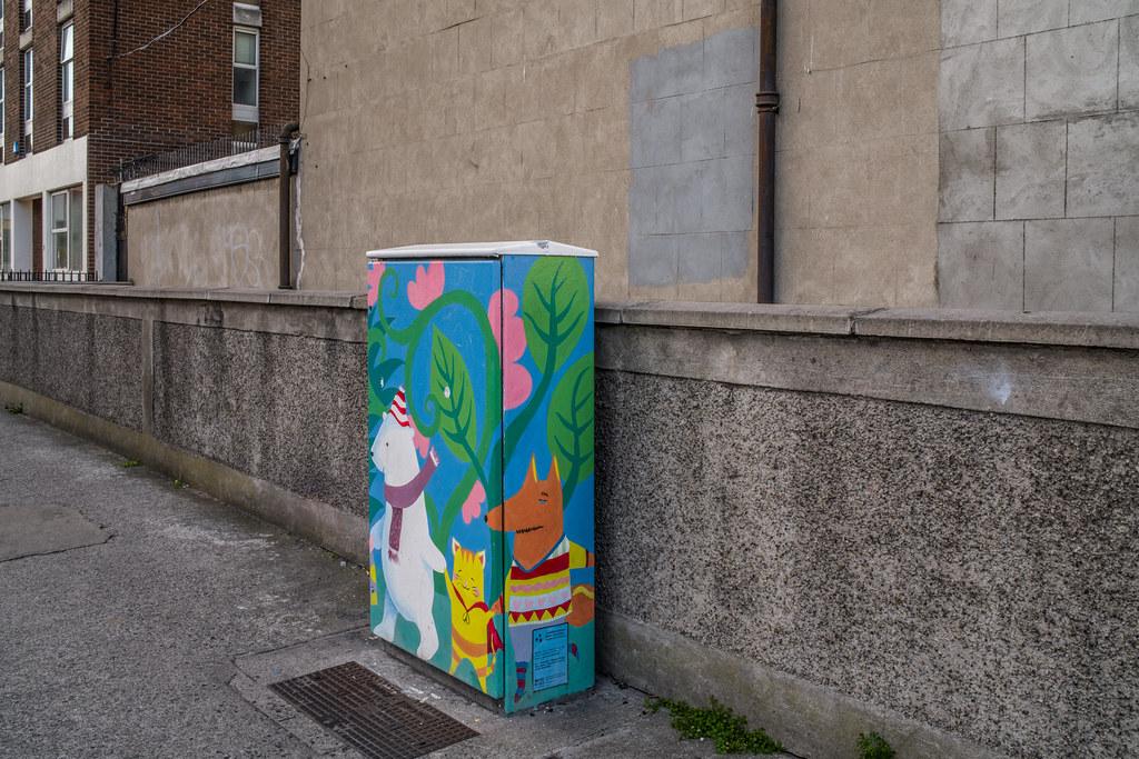 PAINT-A-BOX STREET ART BY JENNY CLEARY [TEMPLE STREET NEAR MOUNTJOY SQUARE DUBLIN]-144907
