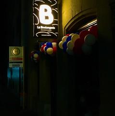 Also wieder französisch.... (bornschein) Tags: nachts night germany badenwürttemberg französisch boulangerie bäckerei café city street stuttgart