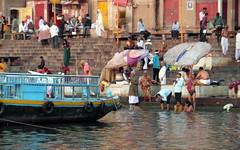 varanasi bathers (kexi) Tags: varanasi benares india asia ritual people bathers water river ganga ganges boat steps ghats ghat many samsung wb690 morning dawn february 2017 instantfave variety