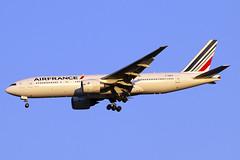 F-GSPH (JBoulin94) Tags: fgsph airfrance air france boeing 777200 washington dulles international airport iad kiad usa virginia va john boulin