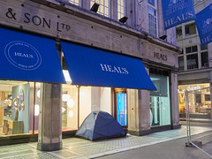 Heals, Tottenham Court Road. 20181019T06-10-10Z (fitzrovialitter) Tags: bloomsburyward england fitzrovia gbr geo:lat=5152087000 geo:lon=013461000 geotagged unitedkingdom peterfoster fitzrovialitter city camden westminster streets urban street environment london streetphotography documentary authenticstreet reportage photojournalism editorial daybyday journal diary captureone olympusem1markii mzuiko 1240mmpro microfourthirds mft m43 μ43 μft ultragpslogger geosetter exiftool vagrant homeless roughsleeper rubbish litter dumping flytipping trash garbage