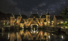 Amersfoort by night (Chaos Hummingbird) Tags: night nightsky citylife city dutchcity netherlands natuelover nature sky architecture travel traveling