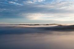 Lever du soleil, Marchastel, Lozére (lyli12) Tags: leverdesoleil paysage aubrac lozère languedocroussillon nature landscape ciel nuage brume mist france célinelajeunie