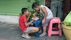 Sharing Lunch (Star Wizard) Tags: bangkok krungthepmahanakhon thailand th
