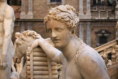 DSC_0015_1 (en.putrino) Tags: palermo sicilia italia sicily piazza pretoria massimo teatro statue leone fontana della vergogna acqua cielo nuvole clouds sky italy