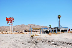 (Sameli) Tags: blue sky old decay rust abandoned service ue urbex urbanexploration stationhalloran springs mojave california us