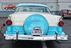 1955 Ford Crown Victoria-rear (mrgraphic2) Tags: indianapolis indiana rx100 1955 ford crown victoria rear blue wheel cover plate taillights bumper shiny window