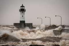 Duluth, Minnesota 20181010-DSC00102-2 (Rocks and Waters) Tags: lakesuperior minnesota windstorm canalpark lighthouse waves water storm greatlakes lake sony a7r2