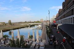 Venlo Nederlande (Las Cuentas) Tags: holland niederlande nederlande canon eos 4000d fluss river europe europa alltag brücke geschäfte stores