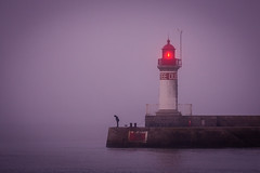 Dans le brouillard (Philippe POUVREAU) Tags: fog brouillard saintnazaire france bretagne 2018 mist port harbour harbor paysdelaloire mer atlantique cote phare lighthouse
