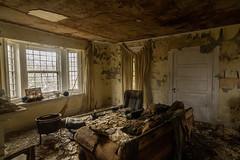 Abandoned House (The Dying Light) Tags: abandonedhouse abandoned abandonedbuilding urbex urbanexplorationphotography urbanexploration urbanexploring urbexvirginia abandonedbuildingsinmaryland