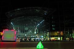 """Guardians of Time"" Berlin Hauptbahnhof 14.10.2018 (rieblinga) Tags: db wächter der zeit guardians of time manfred kielnhofer künstler österreich hauptbahnhof 14102018 berlin"
