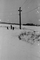 les petits enfants (asketoner) Tags: silhouettes children playing snow winter lines electric hungary balaton traces spots games daylight deserted loneliness smallness