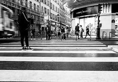 the connected and others Paris (laurent.triboulois) Tags: street rue ville cité downtown people paris blackandwhite monochome