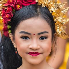 IMG_6699-tr (JLBenazra) Tags: bali cérémonie sawan indonésie costumes