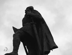 Leifur Eiriksson/Leif Erikson (bd168) Tags: leiferikson explorateurs explorers norse monument statues reykjavik islande iceland voyages travel xt10 xf50mmf2rwr monochrome