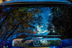 Rear Window (moaan) Tags: kobe japan jp autumn memories memoriesofautumn recollection autumnrecollections car rearwindow reflections sky clouds tree leaf autumncolors fallcolors serene serenity tranquility canon canonphotography canoneos5dmarkiii ef50mmf14usm utata 2018