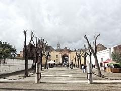 Sevilla, Andalus (rgiw) Tags: andalusien spanienspain city street olympusomdem1 olympusmzuiko1240mm colour farbe stadt strasse stimmung vielfalt building gebäude kirche sevilla