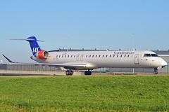 """Bivor Viking"" SAS Scandinavian Airline System EI-FPC Bombardier CRJ-900LR (CL-600-2D24) cn/15400 Opby Cityjet @ Taxiway Q EHAM / AMS 07-11-2017 (Nabil Molinari Photography) Tags: bivorviking sas scandinavian airline system eifpc bombardier crj900lr cl6002d24 cn15400 opby cityjet taxiway q eham ams 07112017"