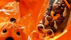 Halloween chocolate for the kids (karinrogmann) Tags: macromondays october19 tricortreat halloween chocolate kids schokolade kinder