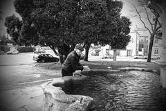 Washing his hands (Francisco (PortoPortugal)) Tags: 2142018 20130308p3080225 bw nb pb paisagem landscape pessoas people rua street monochrome monocromático água water árvores trees porto portugal franciscooliveira