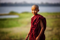 A Young Novice Monk Crosses U Bein Bridge, Myanmar (El-Branden Brazil) Tags: myanmar burma burmese monks buddhism buddhist southeastasia asian asia mandalay ubeinbridge
