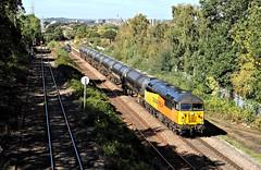 Single Grid On The Tanks. (Neil Harvey 156) Tags: railway 56078 oakenshawjunction crofton wakefield prestondockstanks prestontanks bitumentanks 6e32 class56 colasrail colas grid