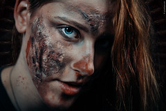 Blue Eye (guidokpunkt) Tags: makeup janine 2018 scars sfxart halloweenshooting halloween shooting haare scary nastyfreak guidokpunkt halloweenbeauty halloweenmakeup creepy blut wound model creepymakeup halloweencostumes openskin scarymakeup auge demon schminke sfxmakeup beautyshooting cut beauty