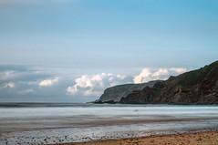 Nubes en el horizonte (ccc.39) Tags: asturias gozón xagó cantábrico longexposure beach coast sea seascape sunset