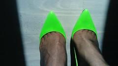 DSC_0478 (grandmacaon) Tags: highheels hautstalons toescleavage talonsaiguille lowcut lowcutshoes sexyheels stilettos