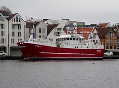 Bøen til kai i Stavanger havn, Norge (pserigstad) Tags: stavanger rogaland norge norway stavangerhavn