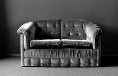 couch (stephen trinder) Tags: stephentrinder stephentrinderphotography couch sofa settee velour deepbuttoned monochrome blackandwhite vintage old texture upholstery suite light shadows contrast