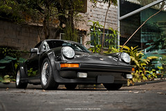 Porsche 911 Turbo (Jeferson Felix D.) Tags: porsche 911 turbo 930 porsche911turbo930 porsche911turbo porsche911 porsche930 canon eos 60d canoneos60d 18135mm rio de janeiro riodejaneiro brazil brasil worldcars photography fotografia photo foto camera