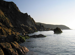 Rocky shoreline, Cornwall (jonathan charles photo) Tags: cornwall south coast calm dawn art photo jonathan charles