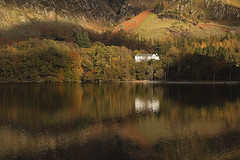 Hassness House (Benjaminio) Tags: hassness house buttermere lakedistrict water reflections light sunlight sunlit landscape mountains trees autumn nature cumbria bbccountryfile