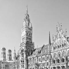 München IV (Splitti68) Tags: europa europe deutschland germany bayern bavaria münchen muinch rathaus frauenkirche quadrat square schwarzweis blackwhite sw bw blackandwhite architektur architecture archtectur splitti splitti68 splittstöser splittstoesser