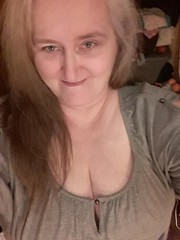 eclvg (207) (lovesnailenamel) Tags: sexy boobs gilf cleavage granny milf mum mom