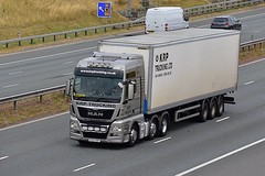 K222 KRP (Martin's Online Photography) Tags: man tgx truck wagon lorry vehicle freight haulage commercial transport a1m nikon nikond7200