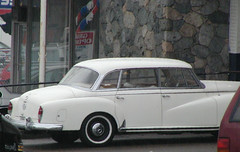 Mercedes-Benz 300 (D70) Tags: mercedesbenz 300 mainstreet vancouver britishcolumbia w186 fourdoor luxury tourer olympus c2100uz ƒ35 903mm 180 200 white whitewall tires