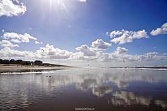 DSC08011 (ZANDVOORTfoto.nl) Tags: zandvoort beach beachlife sun clouds dutchclouds wolken nederland kiters kite kiting wolk zee zon noordzee