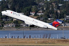 N998AT, Delta Air Lines, Boeing 717-2BD, KPDX, September 2018 (a2md88) Tags: